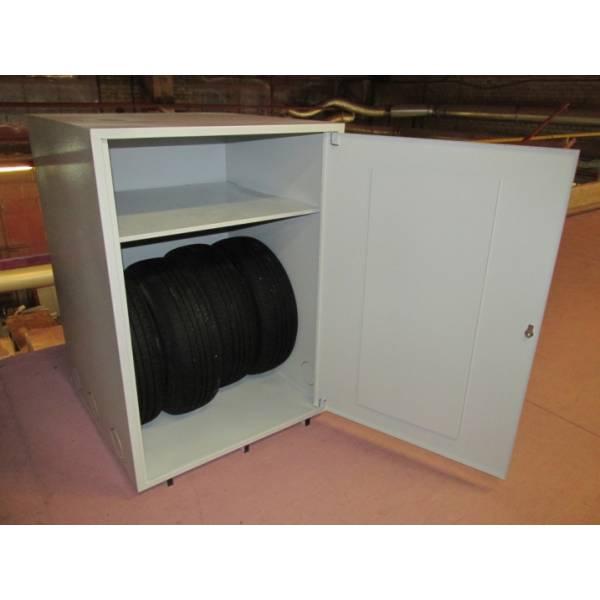 Шкаф для хранения колес